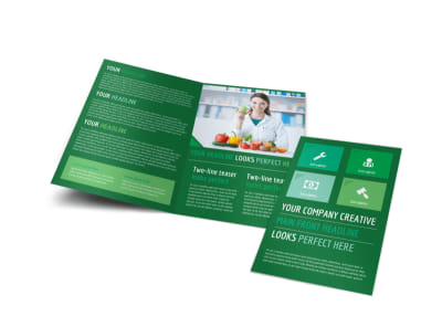 Healthy Diet Specialists Bi-Fold Brochure Template preview