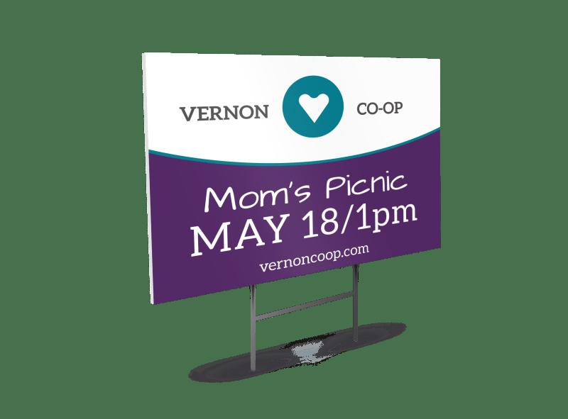 Mom's Picnic Yard Sign